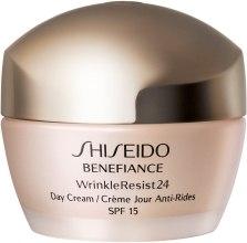 Духи, Парфюмерия, косметика Увлажняющий антивозрастной дневной крем для лица - Shiseido Benefiance WrinkleResist24 Day Cream SPF15