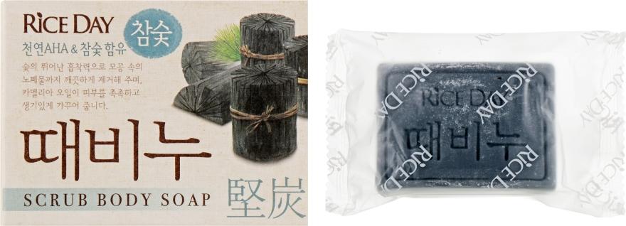"""Мыло туалетное с эффектом скраба """"Древесный уголь"""" - CJ Lion Riceday Scrub Body Soap"""