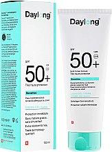 Духи, Парфюмерия, косметика Солнцезащитный гель-крем для чувствительной кожи - Daylong Sensitive Gel-Creme SPF 50+