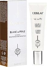 Духи, Парфюмерия, косметика Дневное защитное средство с отбеливающим эффектом - Guerlain Blanc De Perle UV Shield Brightening Pearl Perfection SPF50+