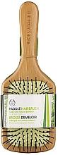Духи, Парфюмерия, косметика Бамбуковая расческа для волос - The Body Shop Large Bamboo Paddle Hairbrush