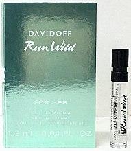 Davidoff Run Wild For Her - Парфюмированная вода (пробник) — фото N1