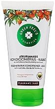 Духи, Парфюмерия, косметика Восстанавливающий кондиционер-маска с облепиховым маслом - Green Feel's Regenerating Hair Conditioner-Mask With Natural Sea Buckthorn Oil