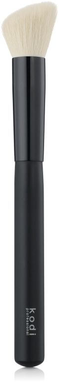 Скошенная кисть для румян №11 - Kodi Professional