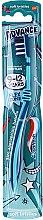 Духи, Парфюмерия, косметика Детская зубная щетка, 9-12 лет, темно-синий - Aquafresh Advance Soft Bristles