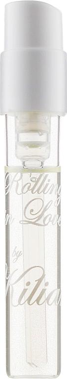 При покупке выбраных ароматов Kilian и получите в подарок набор из пяти пробников ароматов