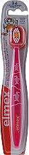 Духи, Парфюмерия, косметика Детская зубная щетка (3-6 лет), розовая с пингвинами - Elmex Kinder Toothbrush