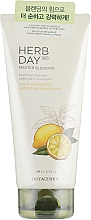 Духи, Парфюмерия, косметика Пенка для умывания «Лимон и грейпфрут» - The Face Shop Herb Day 365 Master Blending Foaming Cleanser Lemon & Grapefruit