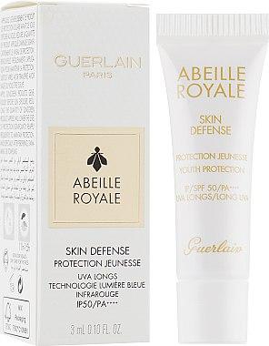 Солнцезащитный крем для лица - Guerlain Abeille Royale Skin Defense Protection SPF50 / PA++++ (пробник) — фото N1