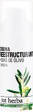 Духи, Парфюмерия, косметика Увлажняющий дневной крем для лица - Tot Herba Crema Restructuring Cream of Olive Leaves