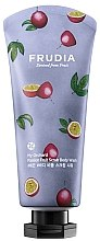Духи, Парфюмерия, косметика Скрабирующий гель для душа с ароматом маракуйи - Frudia My Orchard Passion Fruit Scrub Body Wash