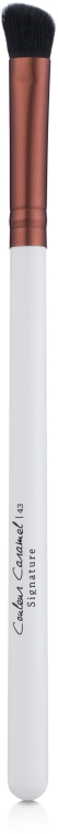 Скошенная мягкая кисть для теней № 43 - Couleur Caramel Signature