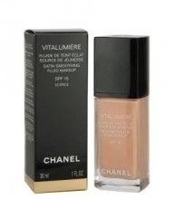 Духи, Парфюмерия, косметика Тональная крем-эмульсия - Chanel Vitalumiere Fluide SPF15