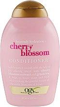 Духи, Парфюмерия, косметика Кондиционер для волос - OGX Heavenly Hydration Cherry Blossom Conditioner