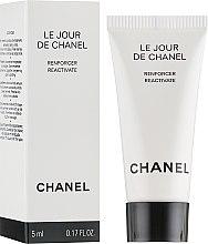 Духи, Парфюмерия, косметика Средство для активации кожи - Chanel Le Jour De Chanel (мини) (тестер)