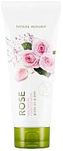 Духи, Парфюмерия, косметика Пенка для умывания с экстрактом розы - Nature Republic Real Nature Rose Foam Cleanser