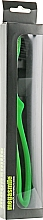 Духи, Парфюмерия, косметика Зубная щетка «Луп Блек Вайтенинг», зеленая - Megasmile