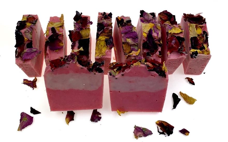 Мыло с лепестками роз - Nueva Formula