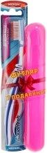 Духи, Парфюмерия, косметика Зубная щетка средней жесткости + футляр, синяя+розовый - Aquafresh Interdental
