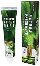 """Духи, Парфюмерия, косметика Зубная паста """"Бамбуковая соль"""" - LG Household & Health Perioe Bamboo Salt Natural Fresh Herb"""
