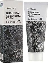 Духи, Парфюмерия, косметика Пенка с углем - Lebelage Charcoal Cleansing Foam