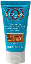 Духи, Парфюмерия, косметика Солнцезащитный тональный крем SPF 50+ - Biolor High Sun Protection Cream Tinted SPF 50+
