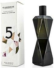 """Духи, Парфюмерия, косметика Освежитель воздуха """"Цветы и мускус"""" - Glasshouse La Maison Room Fragrance Spray #5 Musky Flowers"""