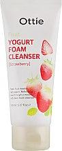 Духи, Парфюмерия, косметика Пенка для лица фруктовая йогуртовая - Ottie Fruits Yogurt Foam Cleanser Strawberry