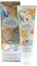 "Духи, Парфюмерия, косметика Зубная паста ""Classic White"" отбеливающая, мята и зеленый чай - Mukunghwa"