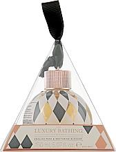 Духи, Парфюмерия, косметика Гель для душа - Grace Cole The Luxury Bathing English Pear & Nectarine Blossom Body Wash