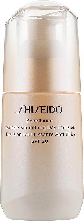 Защитная дневная эмульсия против старения кожи - Shiseido Benefiance Wrinkle Smoothing Day Emulsion SPF 20