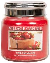 "Духи, Парфюмерия, косметика Ароматическая свеча в банке ""Свежая клубника"" - Village Candle Fresh Strawberries"