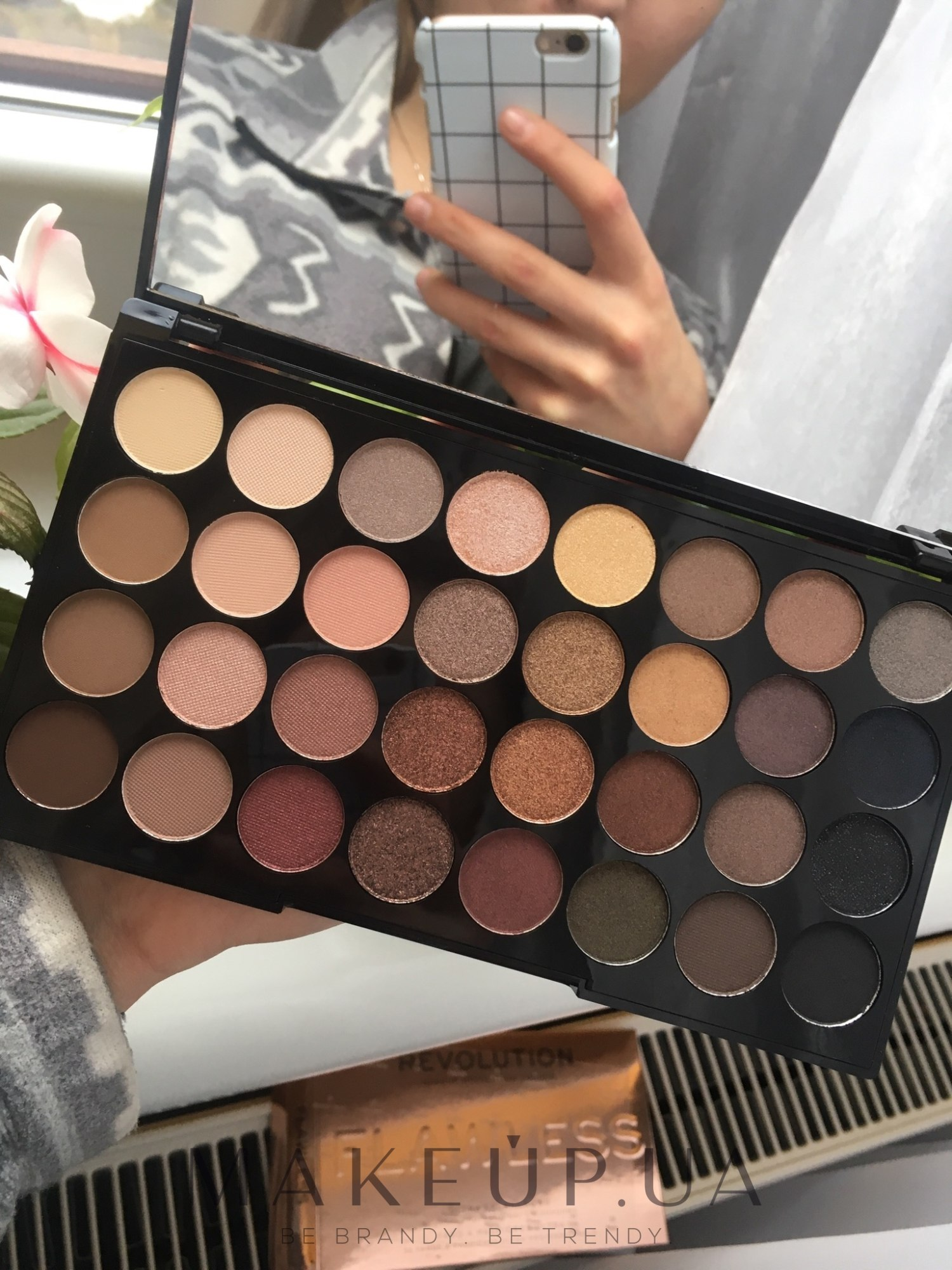 ... beyond flawless makeup revolution ultra 32 shade eyeshadow palette flawless matte Мені сподобалися хороша пігментація не ...