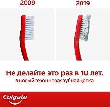 """Зубная щетка """"Сенсация свежести"""" средней жесткости, розовая - Colgate Medium Toothbrush — фото N2"""