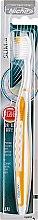 Духи, Парфюмерия, косметика Зубная щетка для чувствительных десен, оранжевая - White Slim-A Oral Care Toothbrush