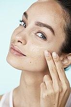 """Аква-флюид для лица """"Гений Увлажнения"""" для сухой и чувствительной кожи - L'Oreal Paris — фото N10"""