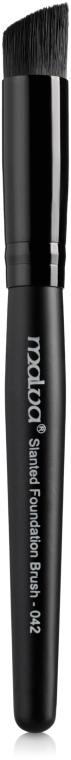 Кисть для тональной основы, скошенная №042 - Malva Cosmetics Slanted Foundation Brush