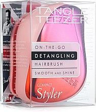 Духи, Парфюмерия, косметика Компактная расческа для волос - Tangle Teezer Compact Styler Cerise Pink Ombre