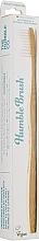 Духи, Парфюмерия, косметика Бамбуковая зубная щетка , белая - The Humble Co. Adult Medium White Toothbrush