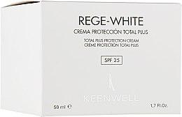 "Духи, Парфюмерия, косметика Защитный крем ""Тотал Плюс"" - Keenwell Rege-White Total Plus Protection Cream SPF 25+"