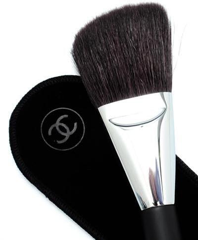 Пензлик для пудри - Chanel Les Pinceaux De Chanel Angled Powder Brush №2 — фото N2