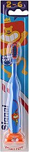 Духи, Парфюмерия, косметика Детская зубная щетка, синяя со львом - Signal Kids Sticky Feet Ultra Soft 2-6 Years