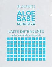 Духи, Парфюмерия, косметика Очищающее молочко для чувствительной кожи - Bioearth Aloebase Sensitive(пробник)