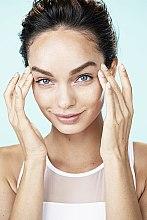 """Аква-флюид для лица """"Гений Увлажнения"""" для сухой и чувствительной кожи - L'Oreal Paris — фото N12"""