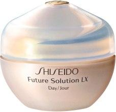 Духи, Парфюмерия, косметика Дневной защитный крем для полного восстановления кожи - Shiseido Future Solution LX Daytime Protective Cream SPF15