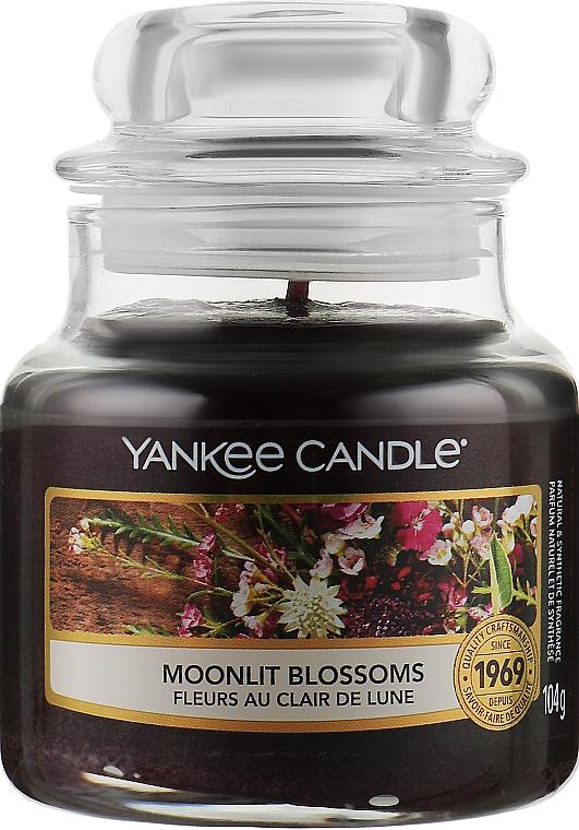 Ароматическая свеча в банке - Yankee Candle Moonlit Blossoms