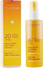 Духи, Парфюмерия, косметика Солнцезащитное молочко-спрей - Clarins Sun Care Spray Gentle Milk-Lotion Spf 20