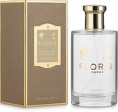 Духи, Парфюмерия, косметика Floris Sandalwood & Patchouli Room Fragrance Spray - Аромат для дома