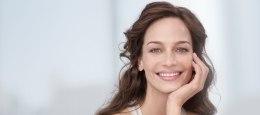 Увлажняющий тональный крем - Nivea Visage Young Be Beautiful! Tinted Moisturiser — фото N3