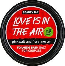 "Духи, Парфюмерия, косметика Соль для ванн ""Love Is In The Air"" - Beauty Jar Foaming Bath Salt For Couples"